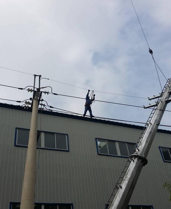 《觀音閣水庫輸水10KV用電工程》施工現場2